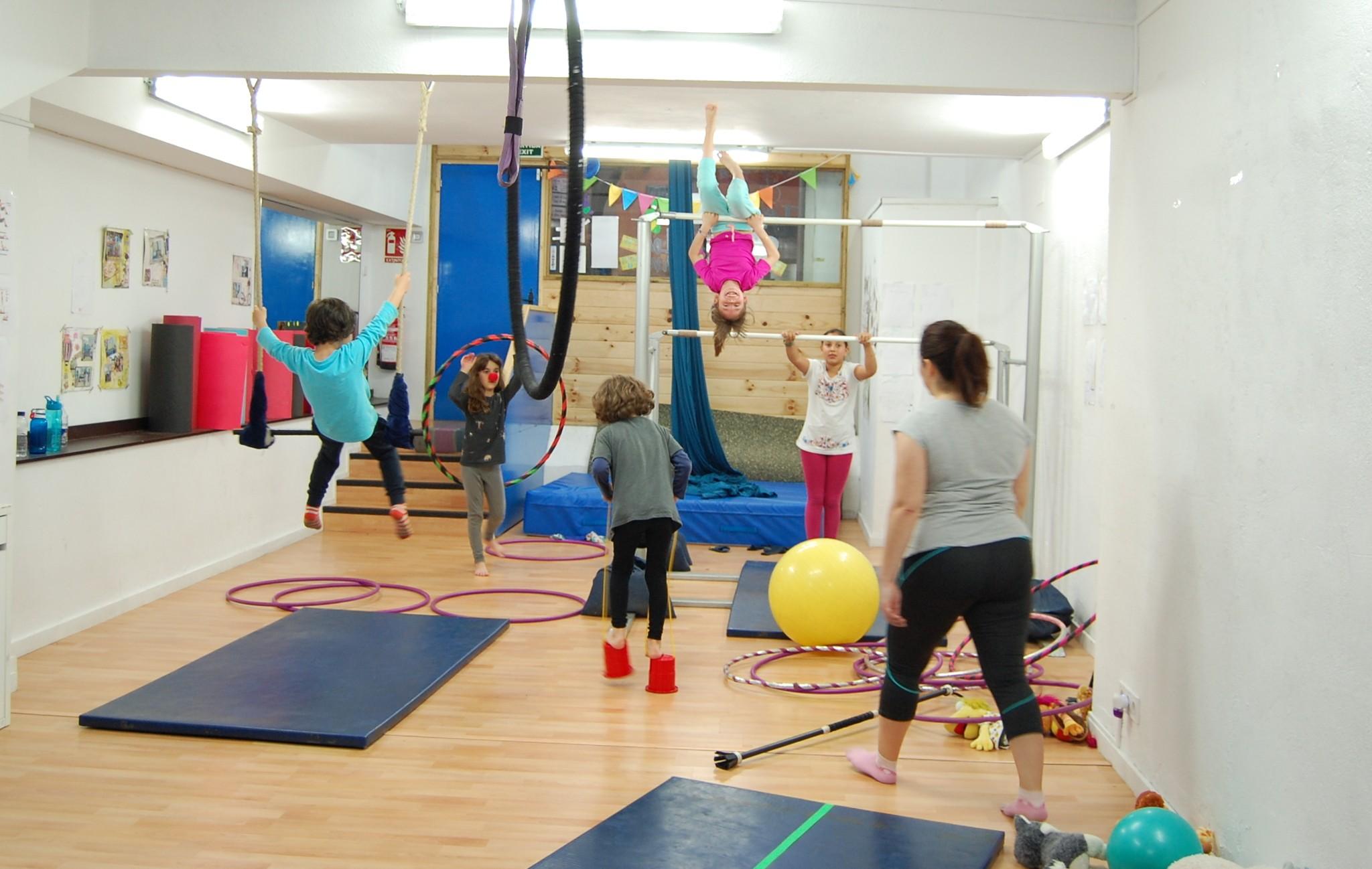 La Colombina escola de circ