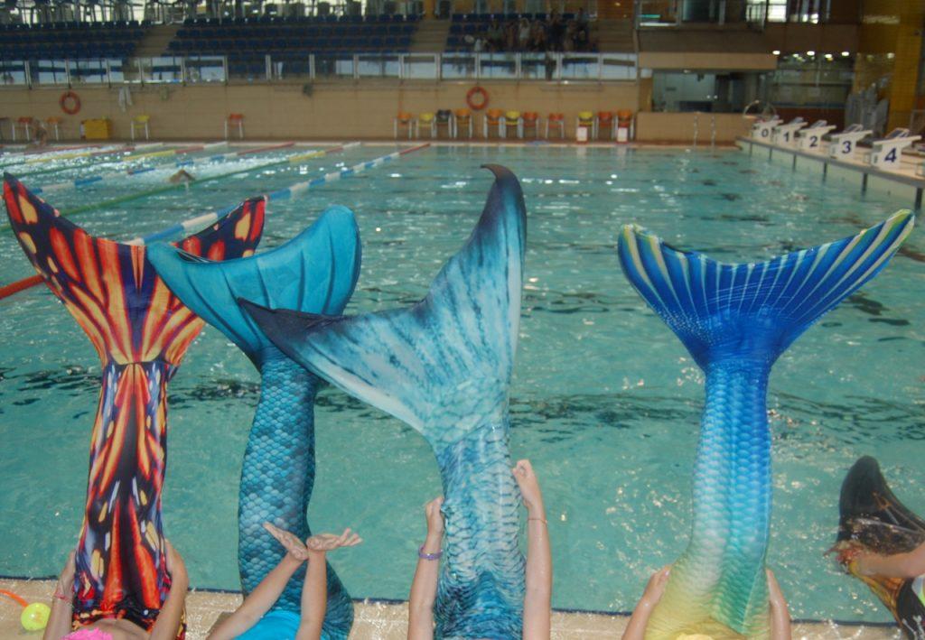 Festa d'aniversari fent de Sirena o Tritó a la piscina